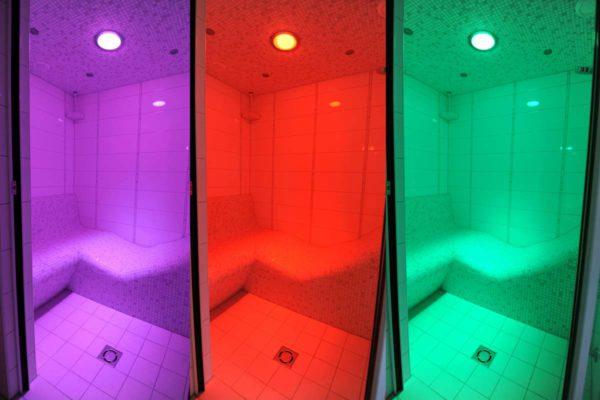Farblicht im Dampfbad