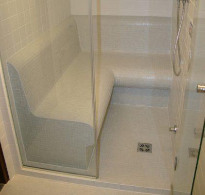 Dampfdusche mit Duschsitze