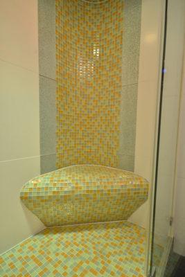 beheizter Sitz in der Dusche