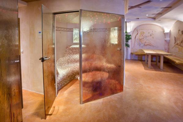 privater-Wellnessbereich-Sauna-Dampfbad