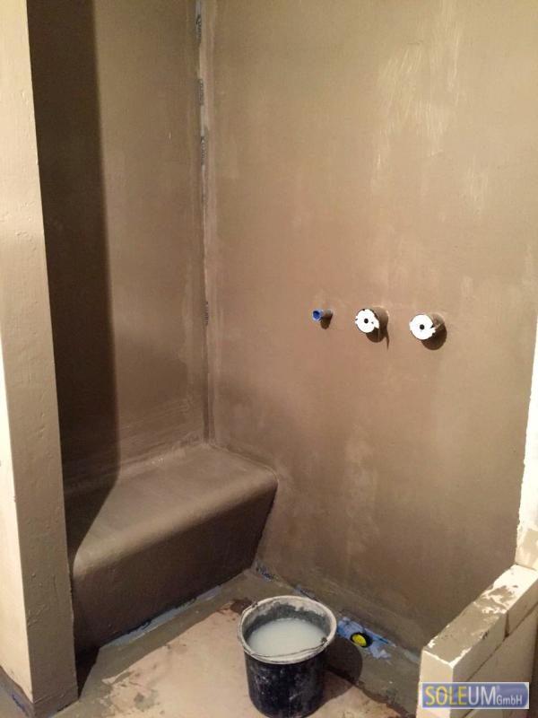 Duschsitz in Dusche einbauen