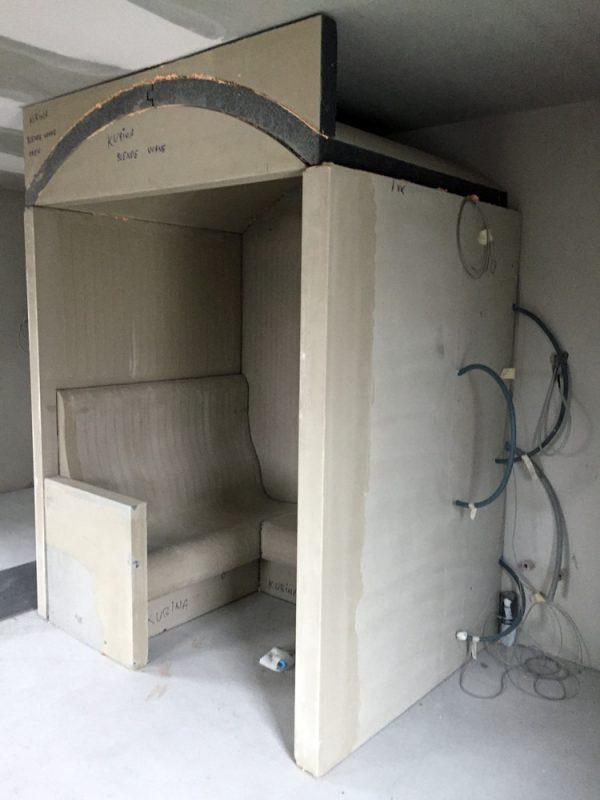 Soleum-rohkabine-auf-Baustelle-aufgestellt